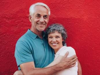 Paare, die in einer guten Beziehung sind, stehen in Kontakt.